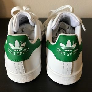 Le adidas stan smith. poshmark verde